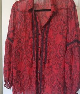 Beautiful Covington top size 16/18